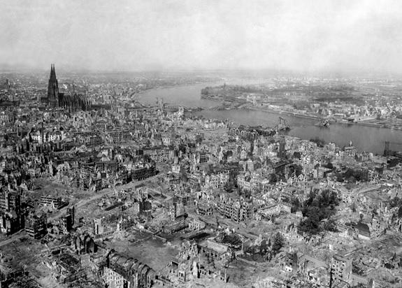 AMARGO SABOR DE LA VICTORIA - COLONIA 1945