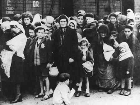 Auschwitz JUDIOS LLEGANDO