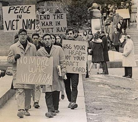 PROTESTAS CONTRA GUERRA VIETNAM